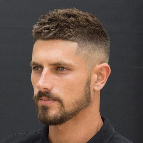 Kiểu tóc Mohican dành cho những người đang nhập ngũ thường ngắn và gọn gàng