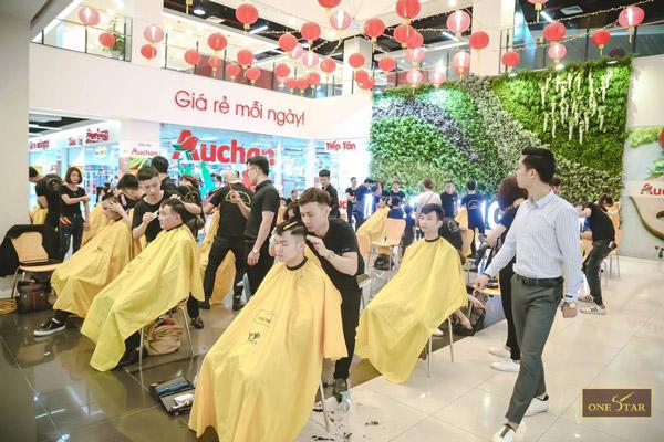 Học cắt tóc tại ONESTAR - Học viên sẽ được thực hành trực tiếp trên mẫu thật