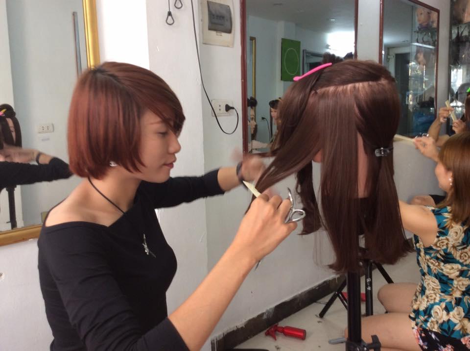 Học cắt tóc ở Hà Giang 1