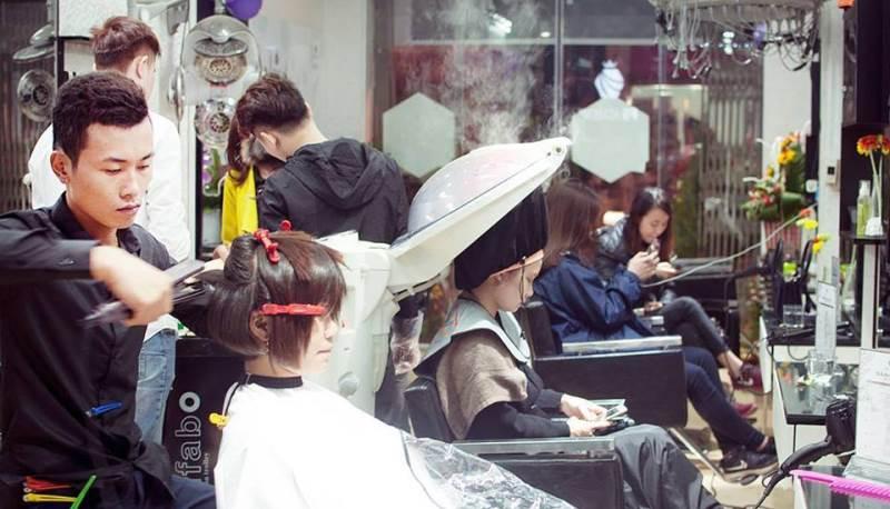 Học cắt tóc ở Hà Giang 3