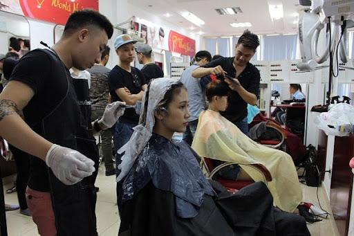 Học cắt tóc ở Nghệ An 2
