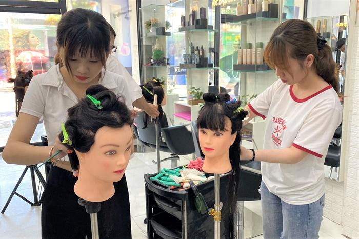 Học cắt tóc ở Phú Thọ 2