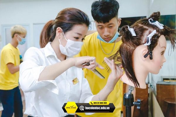 Học cắt tóc ở Sơn La 4